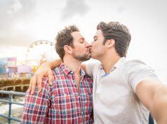 Gay couplekissing