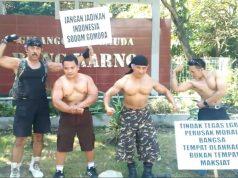 protest_bodybuilders