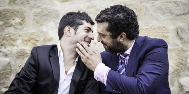 businessmen-flirting