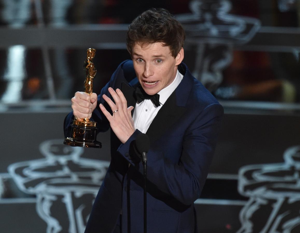 redmayne-wins-oscar-for-best-actor[1]
