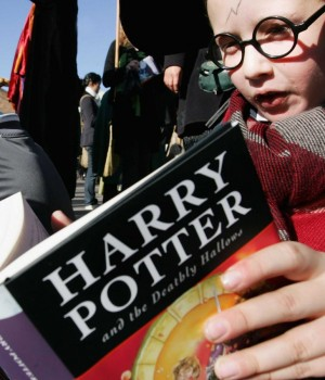 reading-harry-potter