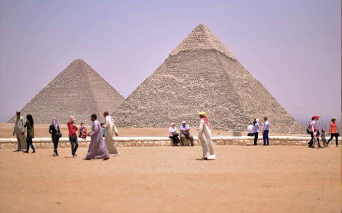 cairo-egypt-pyramids