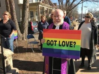 Illinois Man Rallies Neighbors To Block Anti-Gay Protestors Outside Church