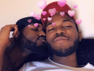 Photo of boyfriends kissing sends Twitter into meltdown