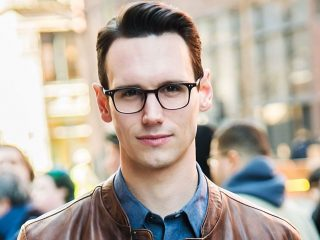 """Gotham"" Star Cory Michael Smith Comes Out As Queer"