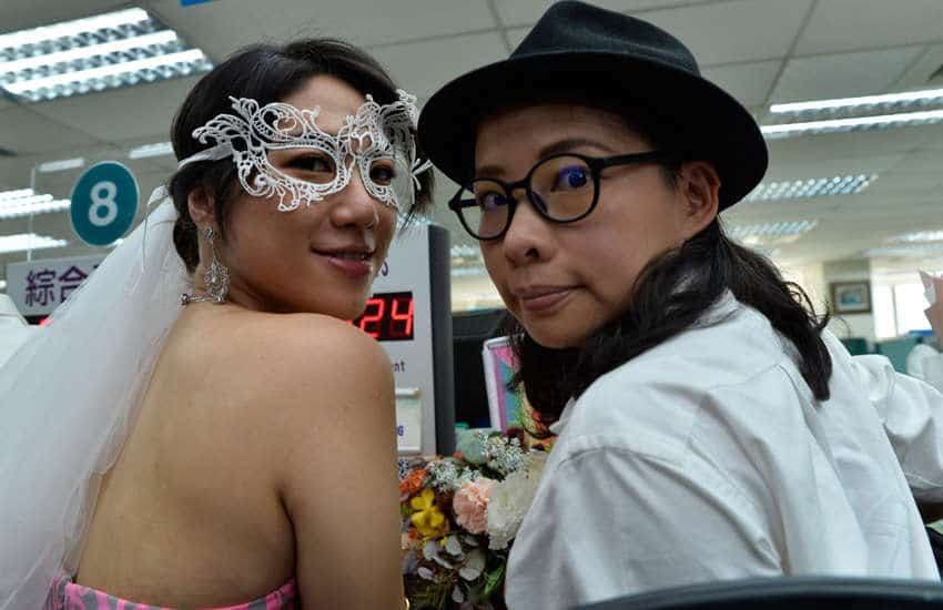 Cynical Chick and LiYing Chien as they register their marriage in Taipei, Taiwan (Photo: Provided)