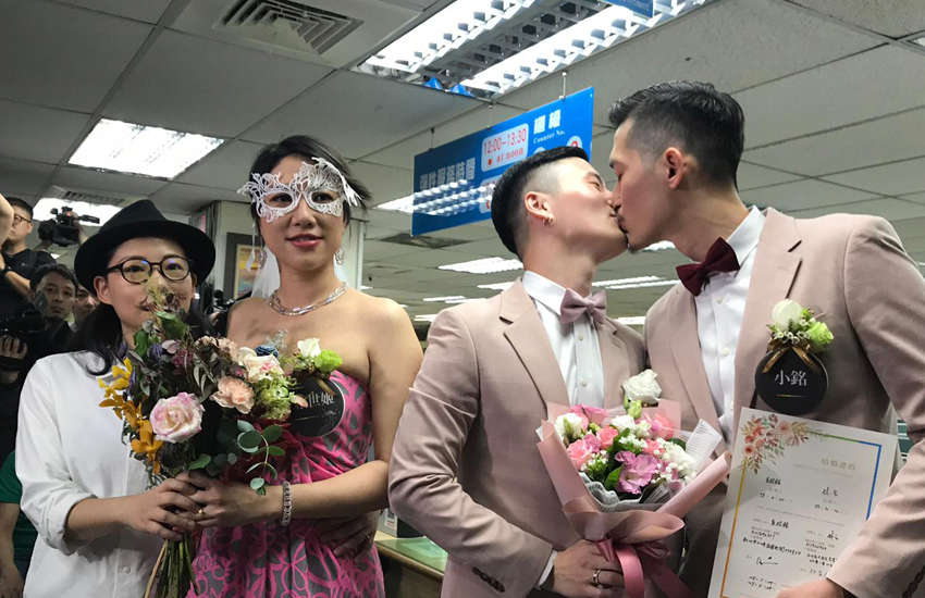 LGBTI Taiwanese making history as first same-sex couples to wed in Asia (Photo: Rik Glauert)