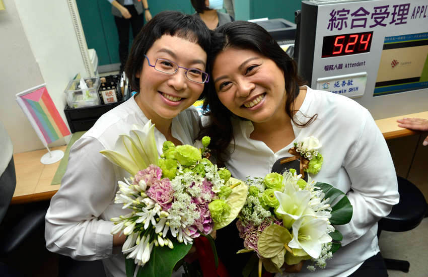 Ya-ting and Mei-yu were one of the first couples to register in Taipei (Photo: Provided)