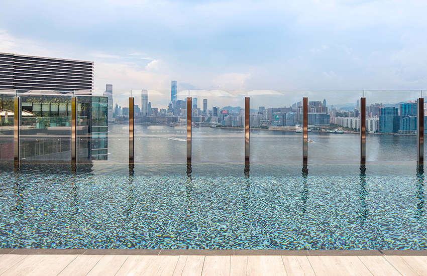 VIC Hotel's rooftop infinity pool (Photo: Provided)