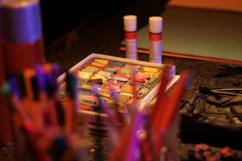 Artist materials are provided at each Starkers event
